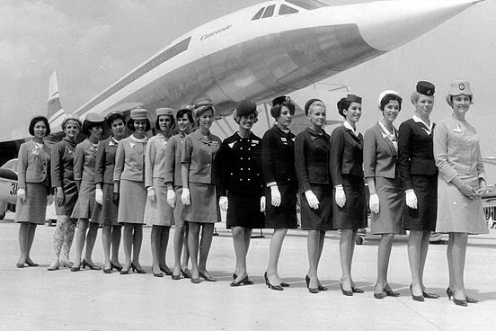 1960-flight-attendant-lineup-552nm-111709.jpg