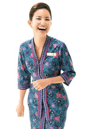 MAS introduced the Sarong Kebaya design for its female flight attendants uniform in March 1986. It was designed by the School of Fashion at Mara Institute of Technology.