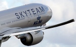 In 2004 KLM joined the SkyTeam global airline alliance. As of March 2014, SkyTeam flies to more than 1,000 destinations in 178 countries, and operates some 15,700 daily flights with a combined fleet of over 4,400 aircraft, including associate carriers.