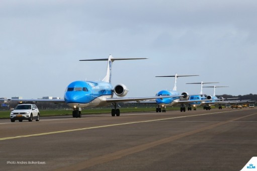 In October 2017 celebrated the departure of the Fokker 70 in style, marking the end of a 97-year partnership between KLM and Fokker. The phase-out of the Fokker 70 at KLM Cityhopper rings down the curtain on an unique and remarkable era in Dutch aviation history.