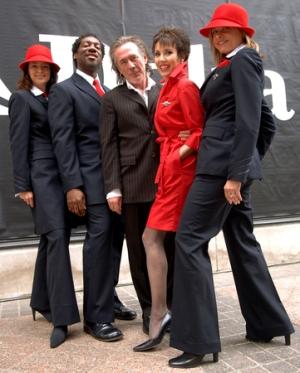 Delta's current uniform was deisgned by Richard Tyler in 2005