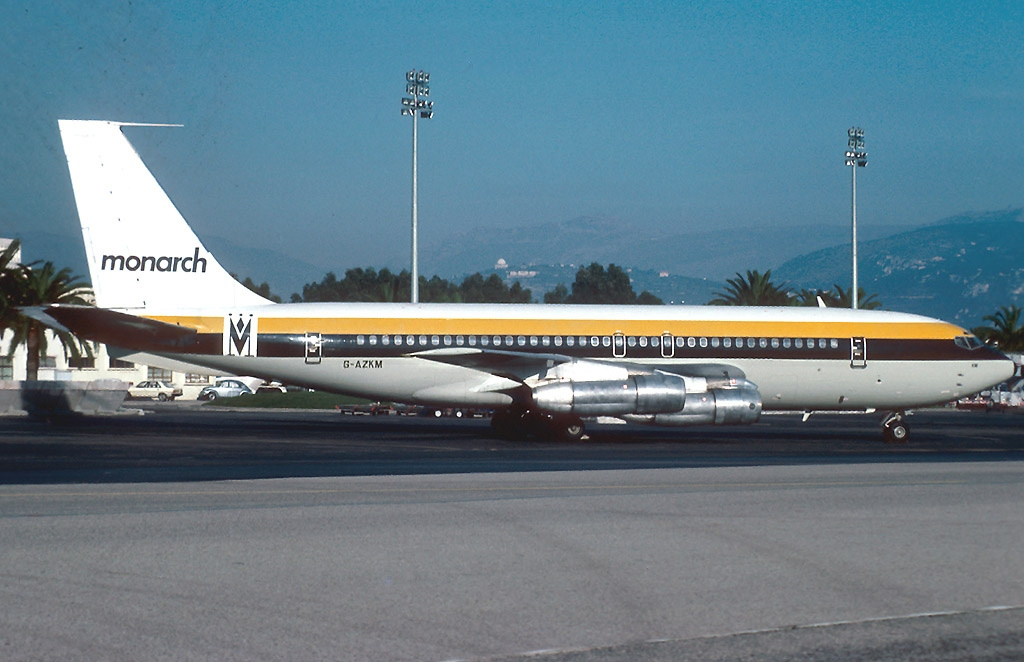 Boeing_720-051B,_Monarch_Airlines_AN1034690